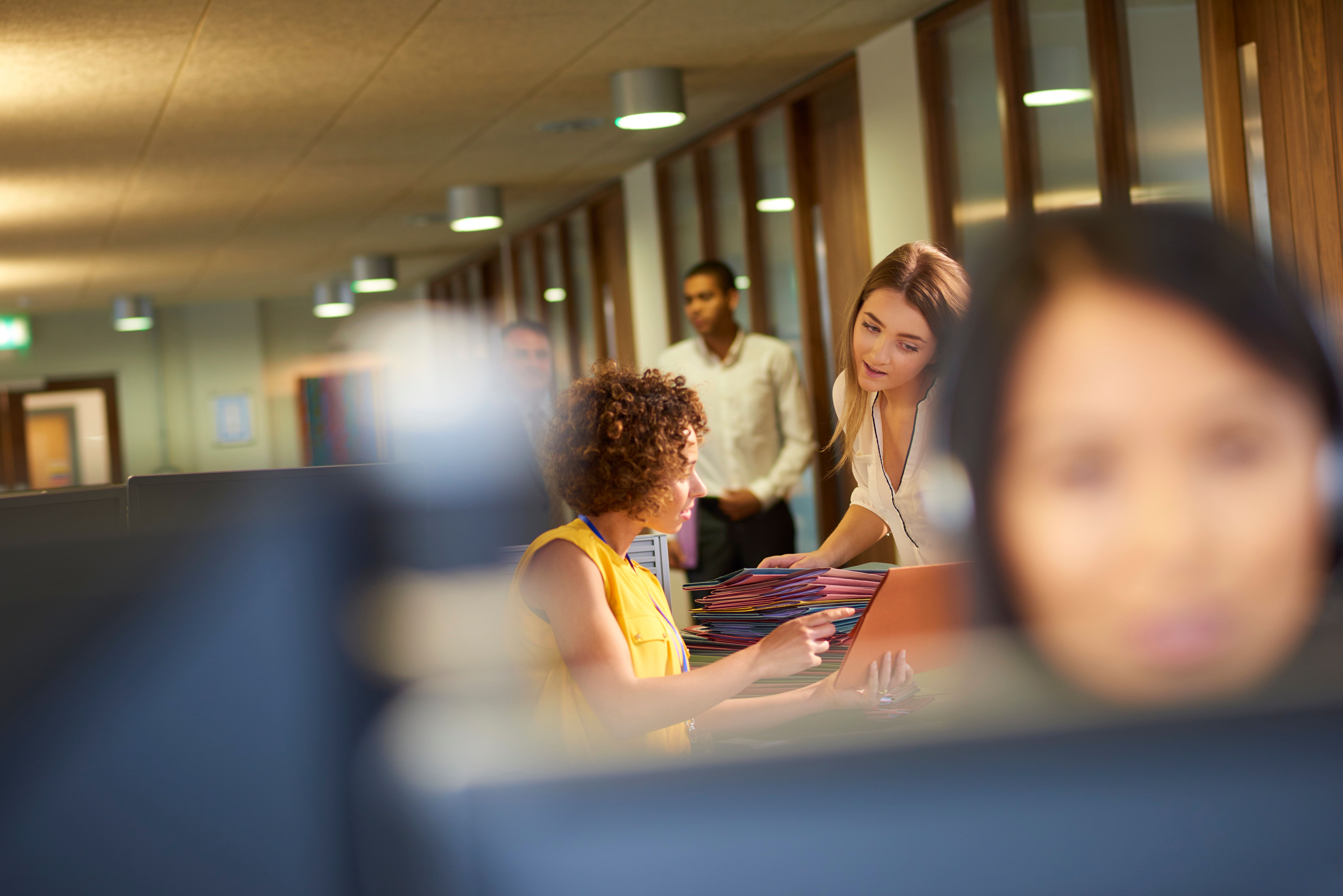 Firmenbosse lernen von Schülern – das Konzept könnte unsere Arbeitswelt