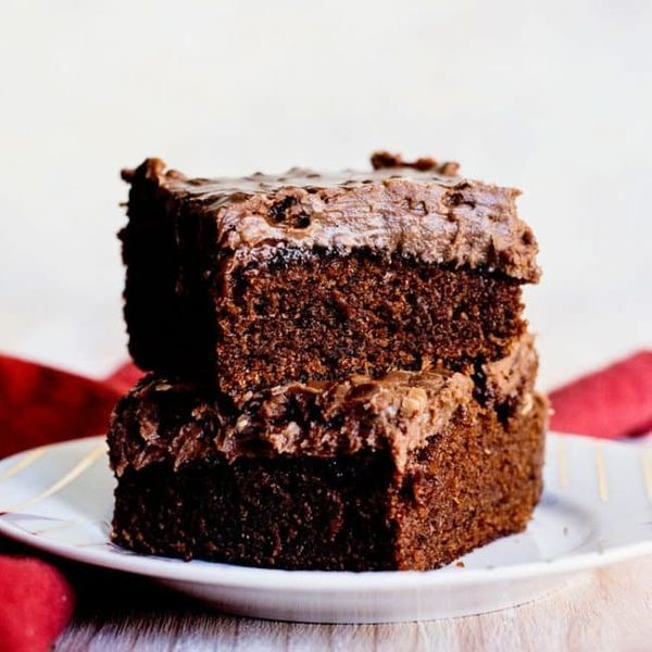 "<strong>Get the <a href=""https://iambaker.net/copycat-cracker-barrel-double-fudge-cake/"" target=""_blank"">Copycat Cracker Barr"
