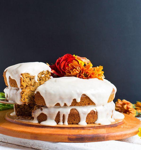 """<strong>Get the<a href=""""http://minimalistbaker.com/1-bowl-pumpkin-cake-vegan-gf/"""" target=""""_blank"""">1-Bowl Pumpkin Cake ("""