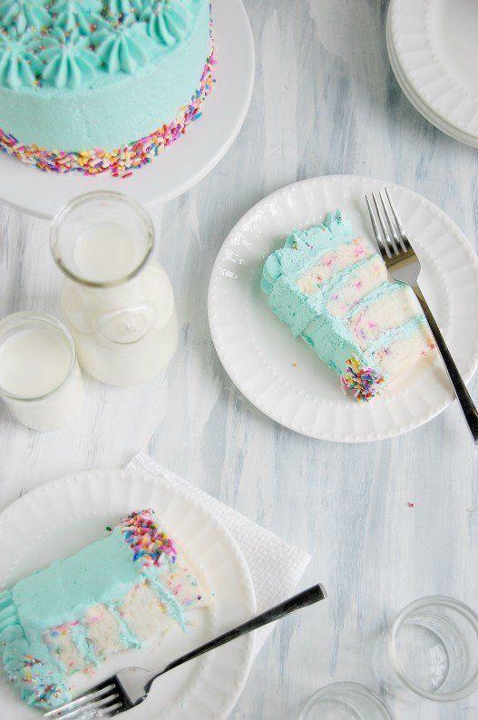 "<strong>Get the<a href=""http://thekitchenmccabe.com/2014/04/28/funfetti-celebration-cake-gluten-dairy-free/"" target=""_b"