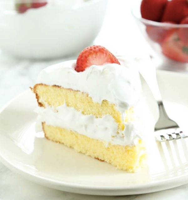"<strong>Get the<a href=""https://glutenfreeonashoestring.com/gluten-free-sponge-cake/"" target=""_blank"">Gluten-Free Spong"