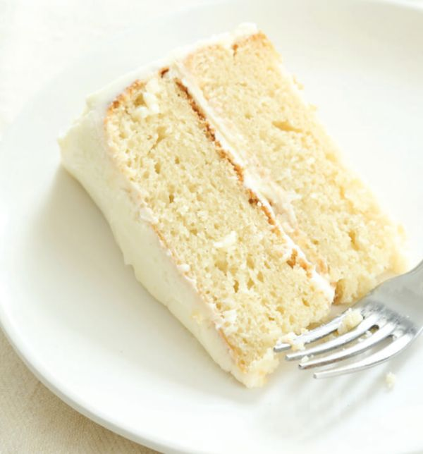 "<strong>Get the<a href=""https://glutenfreeonashoestring.com/very-best-gluten-free-vanilla-cake/#_a5y_p=5013508"" target="