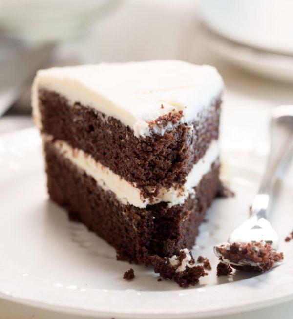 "<strong>Get the<a href=""https://glutenfreeonashoestring.com/gluten-free-devils-food-cake/"" target=""_blank"">Gluten-Free"