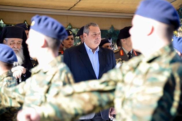 Σχέδιο εξαγοράς των κόκκινων δανείων στελεχών των Ενόπλων Δυνάμεων ανακοίνωσε ο