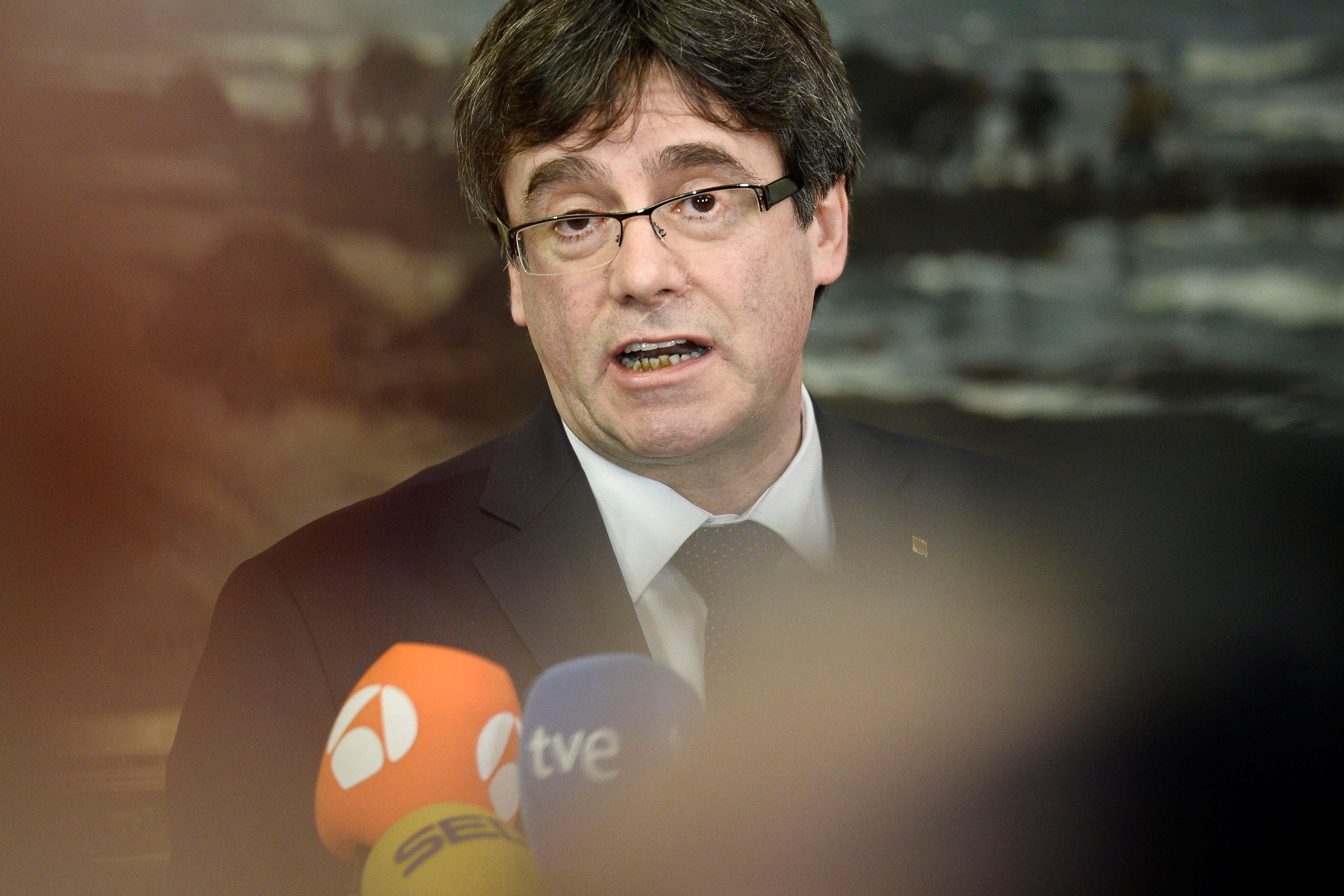Σε ετοιμότητα οι ισπανικές αρχές για τη σύλληψη του Πουζντεμόν αν επιστρέψει στη