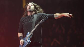 FRESNO, CA - DECEMBER 01:  Dave Grohl of Foo Fighters performs in support of the band's 'Concrete and Gold' release at Save Mart Center on December 1, 2017 in Fresno, California.  (Photo by Tim Mosenfelder/Getty Images)