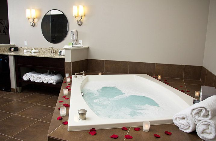 "The two-person jacuzzi tub of the <a href=""https://www.tripadvisor.com/Hotel_Review-g50838-d308614-Reviews-Belamere_Suites-Perrysburg_Ohio.html"" target=""_blank"">Belamere Suites Hotel in Perrysburg, Ohio</a>, which snagged the top spot for TripAdvisor's best hotel in the U.S. for romance.&nbsp;A night at Belamere Suites averages about <a href=""https://www.tripadvisor.com/Hotel_Review-g50838-d308614-Reviews-Belamere_Suites-Perrysburg_Ohio.html"" target=""_blank"">$218 a night</a>.&nbsp;"