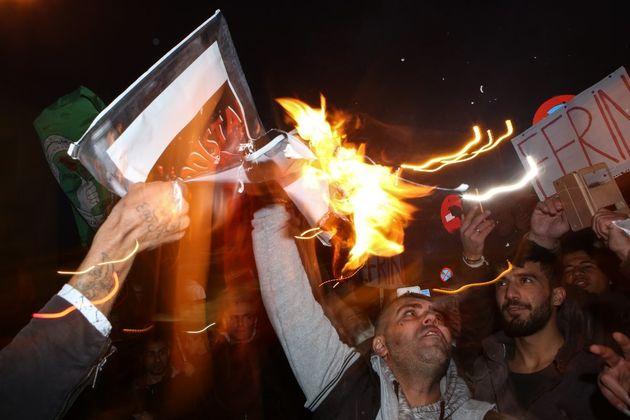 «Η πολεμική βαρβαρότητα στο Αφρίν δεν θα περάσει». Η πορεία των Κούρδων στην Αθήνα ενάντια στην τουρκική
