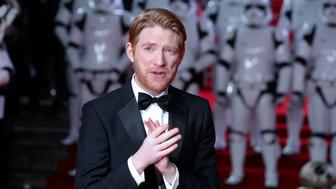 Irish actor Domhnall Gleeson poses on the red carpet for the European Premiere of Star Wars: The Last Jedi at the Royal Albert Hall in London on December 12, 2017. / AFP PHOTO / Daniel LEAL-OLIVAS        (Photo credit should read DANIEL LEAL-OLIVAS/AFP/Getty Images)