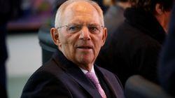 Σόιμπλε: Ο Μακρόν δεν αντιτίθεται στη μετεξέλιξη του ESM σε Ευρωπαϊκό Νομισματικό