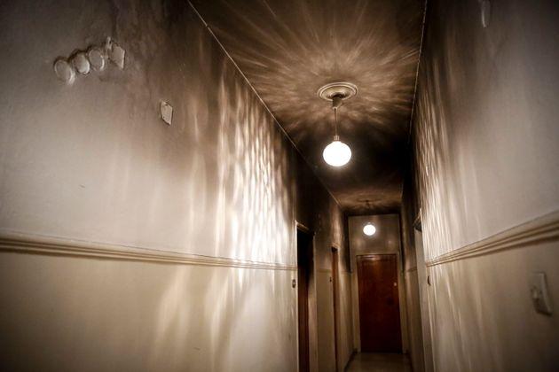 Φωτιά σε διαμέρισμα στην Αθήνα. Σώθηκε μωρό που ήταν μόνο του κατά τη διάρκεια της