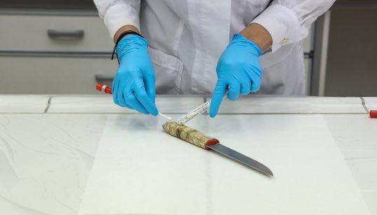 Το DNA σε ποινικές υποθέσεις. Γιατί αμφισβητείται και η ανησυχία για όσα συμβαίνουν απ τη στιγμή της λήψης μέχρι τη δικαστική