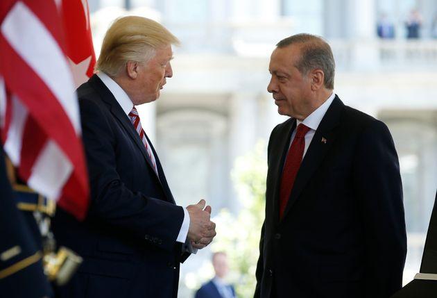 Επικοινωνία Τραμπ-Ερντογάν για την τουρκική εισβολή στο Αφρίν και τις αμερικανικές