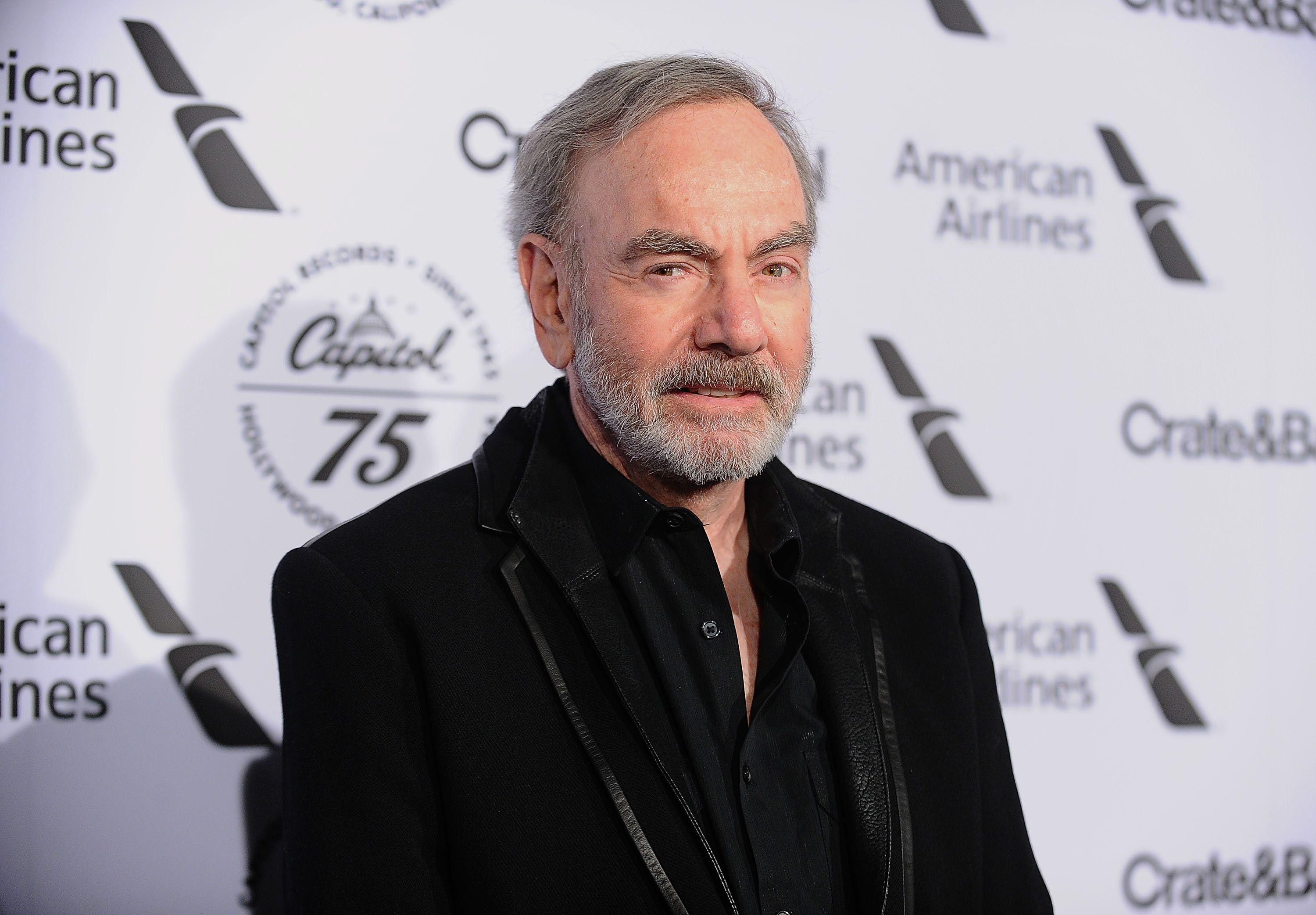 Neil Diamond Thanks Fans As Many Donate Refunded Concert Money To Parkinson's