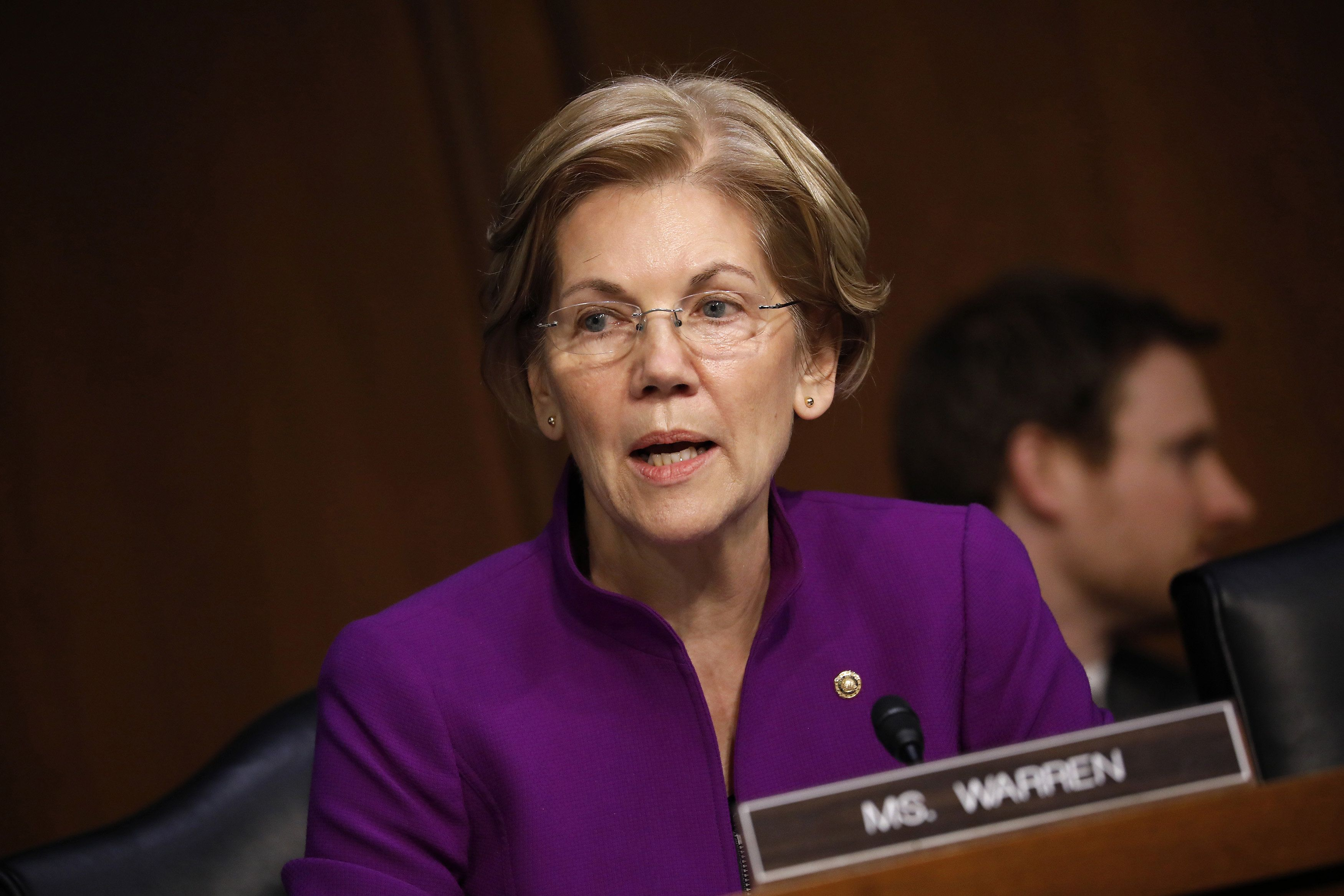 Senator Elizabeth Warren, a Democrat from Massachusetts, questions Jerome Powell, chairman of the U.S. Federal Reserve nominee for U.S. President Donald Trump, not pictured, during a Senate Banking Committee confirmation hearing in Washington, D.C., U.S., on Tuesday, Nov. 28, 2017. Powell signaled broad support for how the Fed operates, regulates and guides the economy, offering a full-throated defense of the government institution he's about to lead. Photographer: Aaron P. Bernstein/Bloomberg