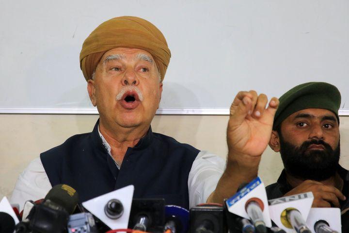 "Rajput Karni Sena chief Lokendra Singh Kalvi addresses a press conferenceaboutthe release of ""Padmaavat,"" in Jaip"