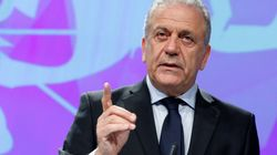 «Απαράδεκτο κάποιες χώρες να μην δέχονται πρόσφυγες» , λέει ο Αβραμόπουλος. Επιμένει στην αναλογική