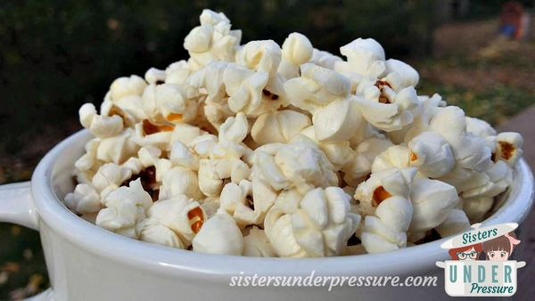 "<strong>Get the instructions for <a href=""http://sistersunderpressure.com/popping-popcorn-in-your-instant-pot/"" target=""_blan"