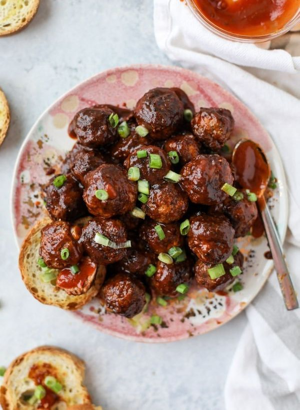 "<strong>Get the <a href=""https://www.howsweeteats.com/2018/01/slow-cooker-meatballs/"" target=""_blank"">Slow Cooker Chipotle BB"