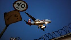 Τι θα συμβεί αν η πόρτα του αεροπλάνου ανοίξει κατά τη διάρκεια μιας