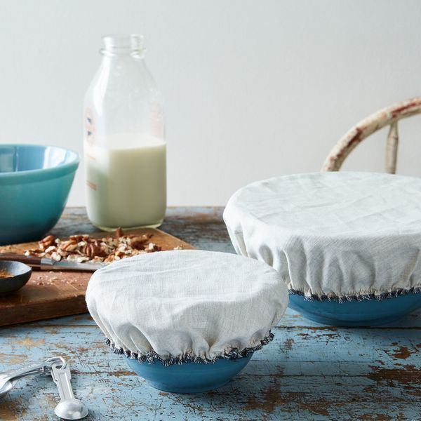Ban paper and plastic from your kitchen entirely with these reusable linen and cotton bowl covers. They have stretchy elastic