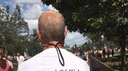 Mann trägt in Disneyland ein besonderes T-Shirt – und rettet damit sein