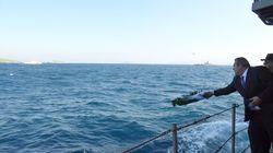 Τουρκικά πλωτά και εναέρια μέσα ήθελαν να παρεμποδίσουν την ρίψη στεφάνου από τον Καμμένο στα