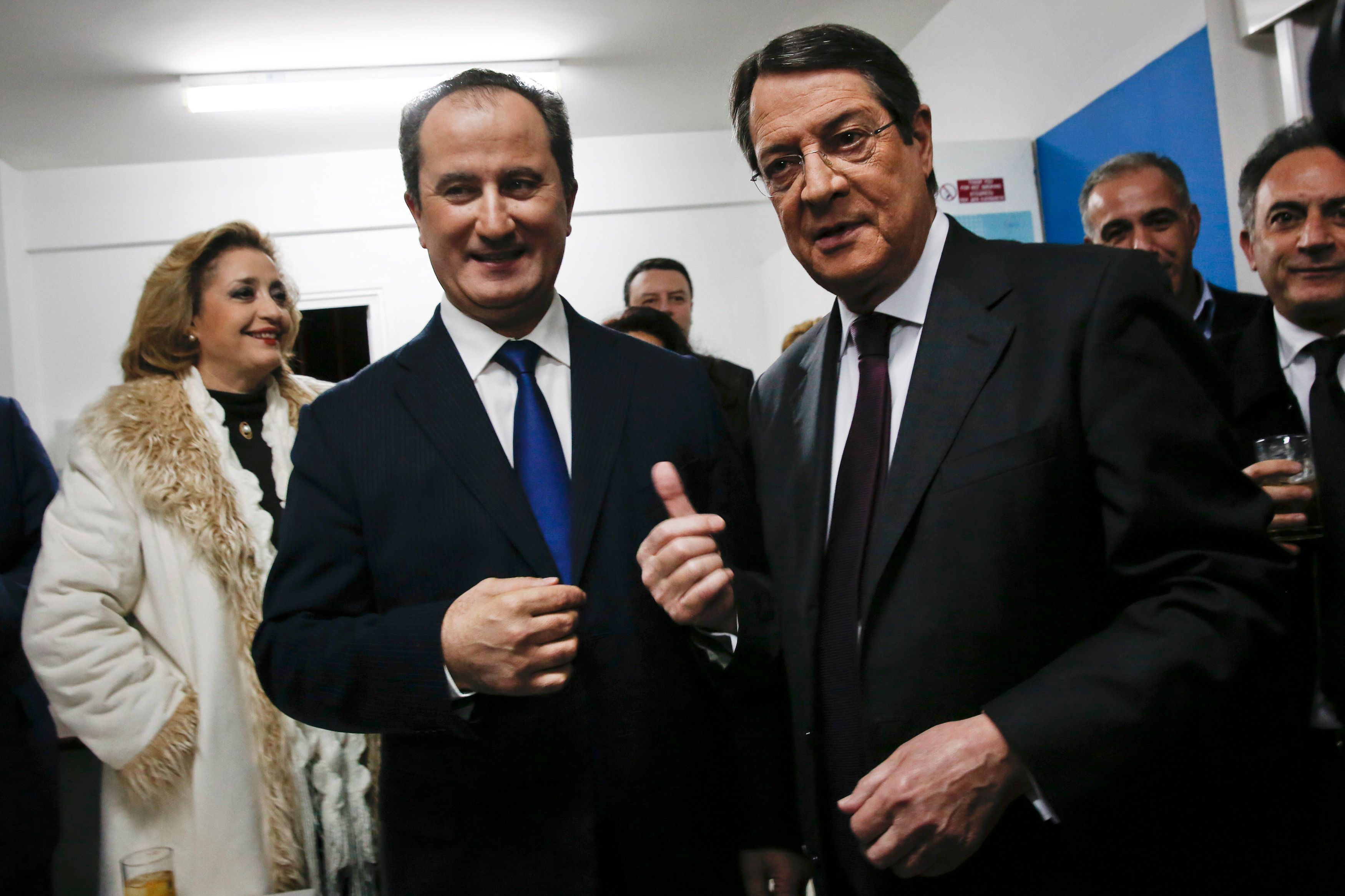 Τα exit polls των κυπριακών
