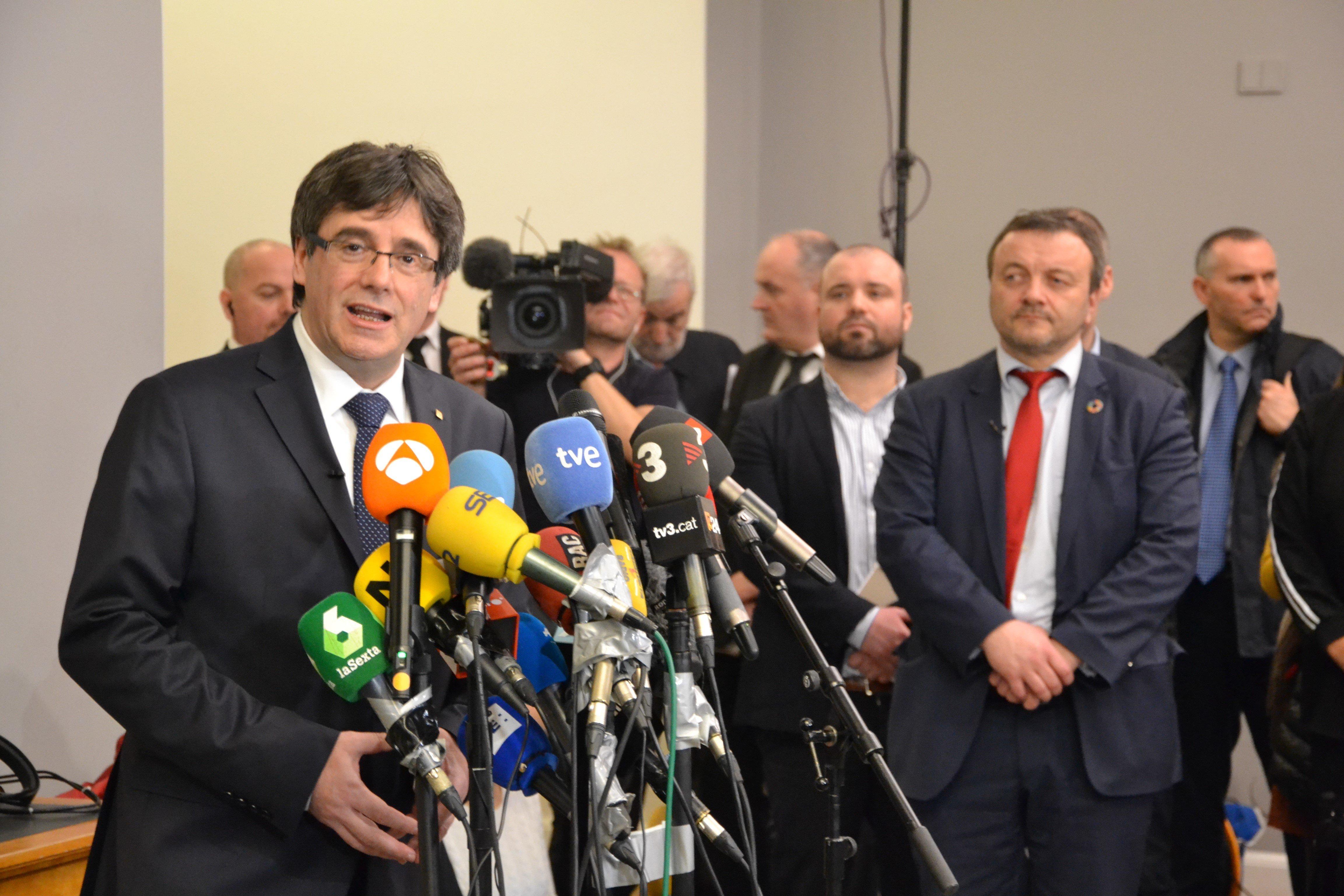 Ο Πουτζντεμόν πρέπει να επιστρέψει στην Ισπανία αν θέλει να επανεκλεγεί πρόεδρος της