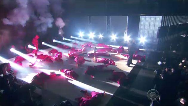 Kendrick's dancers hit the floor one by