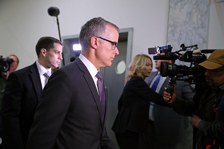 Παραιτήθηκε το νούμερο 2 του FBI, ο Άντριου Μακέιμπ, που ο Τραμπ είχε κατηγορήσει για μεροληπτική