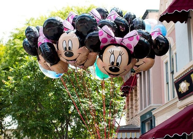 7 Surprising Things That Are Banned From Disney Parks (And 3 That Are Totally