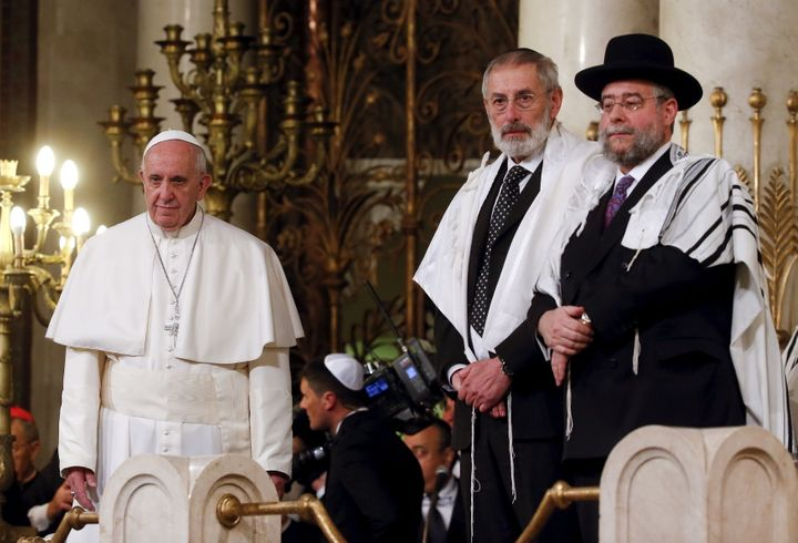 Pope Francis visits Rome's Great Synagogue on January 17, 2016.
