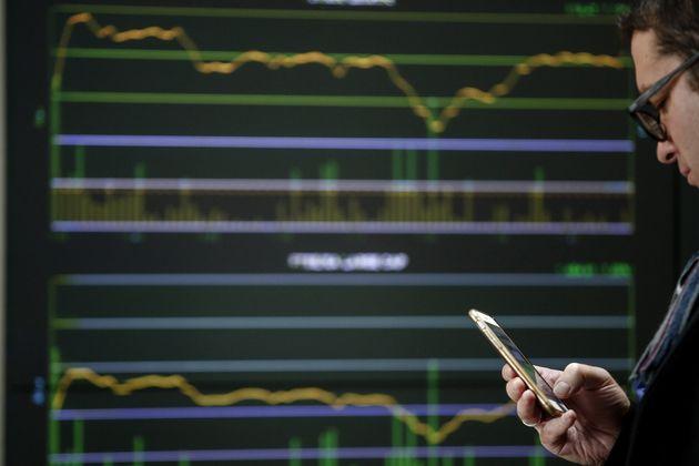 Βloomberg: Γιατί οι επενδυτές αναμένουν με ιδιαίτερο ενδιαφέρον το νέο επταετές ομόλογο της