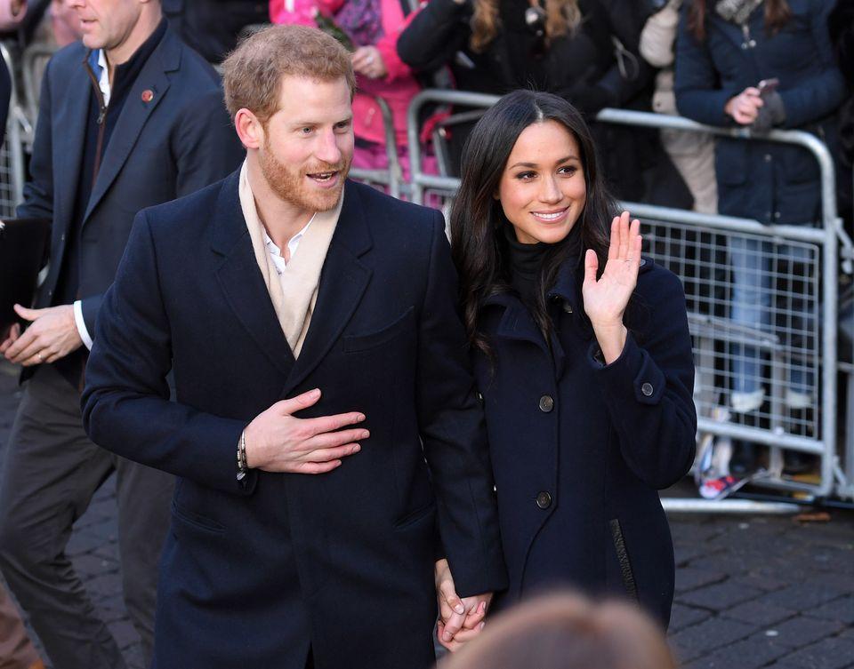 Tiaras, Silk Stockings And Toasters: Royal Wedding Presents Through The