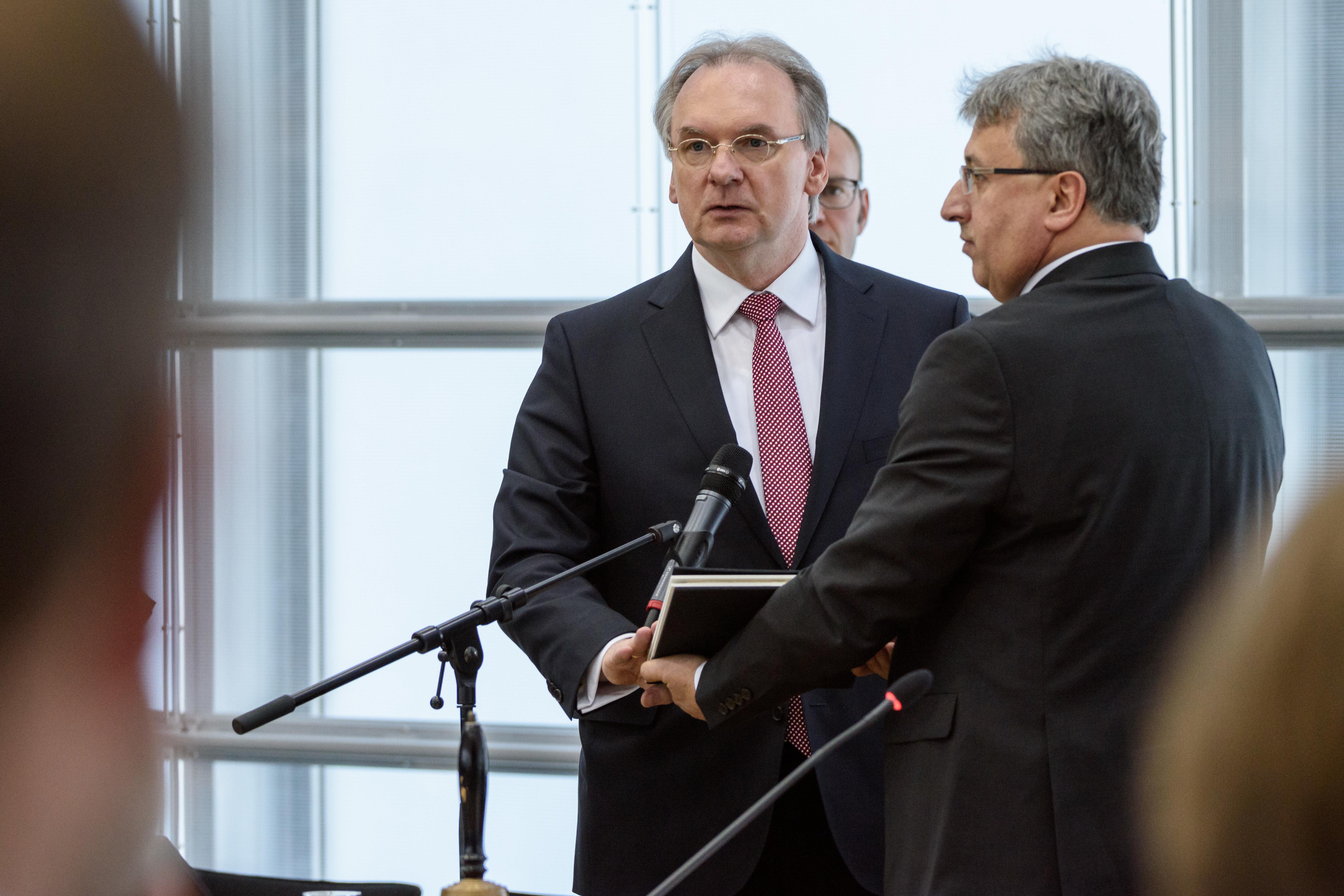 So kuschen die ostdeutschen Ministerpräsidenten vor