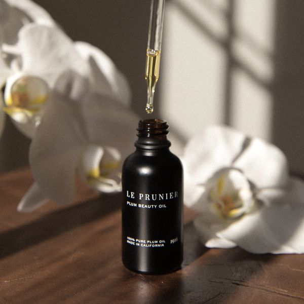 Le Prunier's Plum Beauty Oil has a silky texture and absorbs quickly to hydrate and soothe skin. Since it's pure plum oil, th