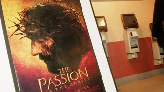 NEW YORK - FEBRUARY 24:  Mel Gibson's 'The Passion of the Christ' opens at the Regal Cinemas 14 February 24, 2004 in New York City.  (Photo by Evan Agostini/Getty Images)