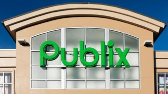 BETHLEHEM, GEORGIA, UNITED STATES - 2015/11/13: Publix Food Market exterior. (Photo by John Greim/LightRocket via Getty Images)
