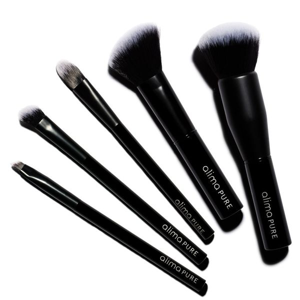 """Cruelty-free and designed with super-sleek duo-tone synthetic bristles, <a href=""""https://www.thedetoxmarket.com/collections/a"""