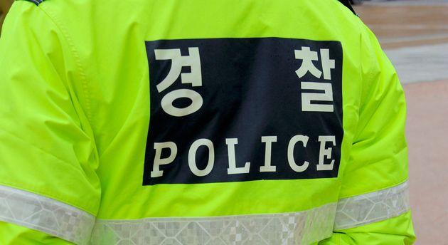 52세 남자 경찰이 새로 부임한 순경에게 저지른 끔찍한