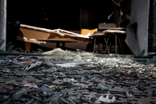 Έκρηξη σε κατάστημα με έπιπλα στο Μαρούσι. Κυκλοφοριακά προβλήματα στην