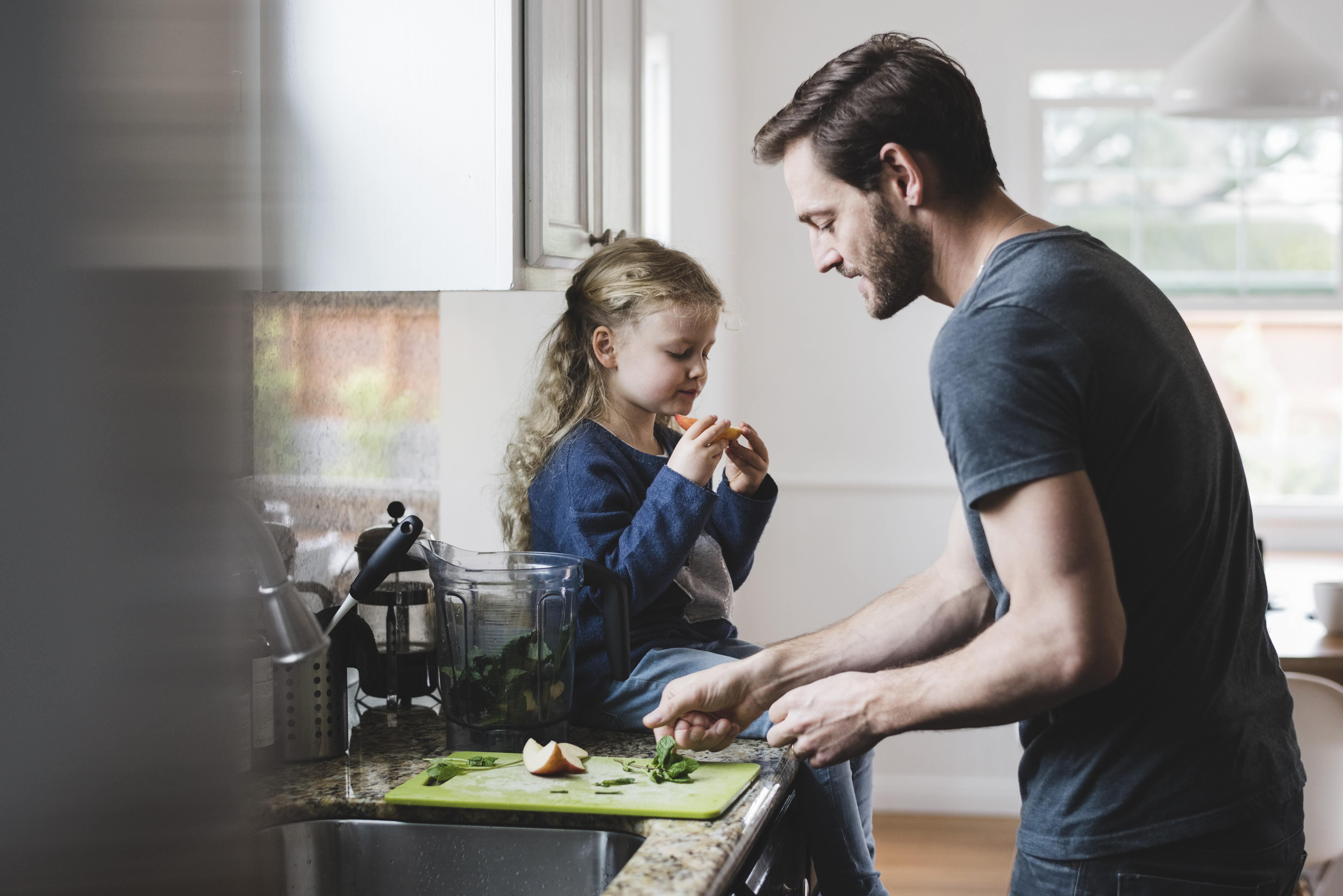 Für viele Männer ist ein Hausmann-Dasein immer noch undenkbar. Ein Fehler, findet Arne Ulbricht.