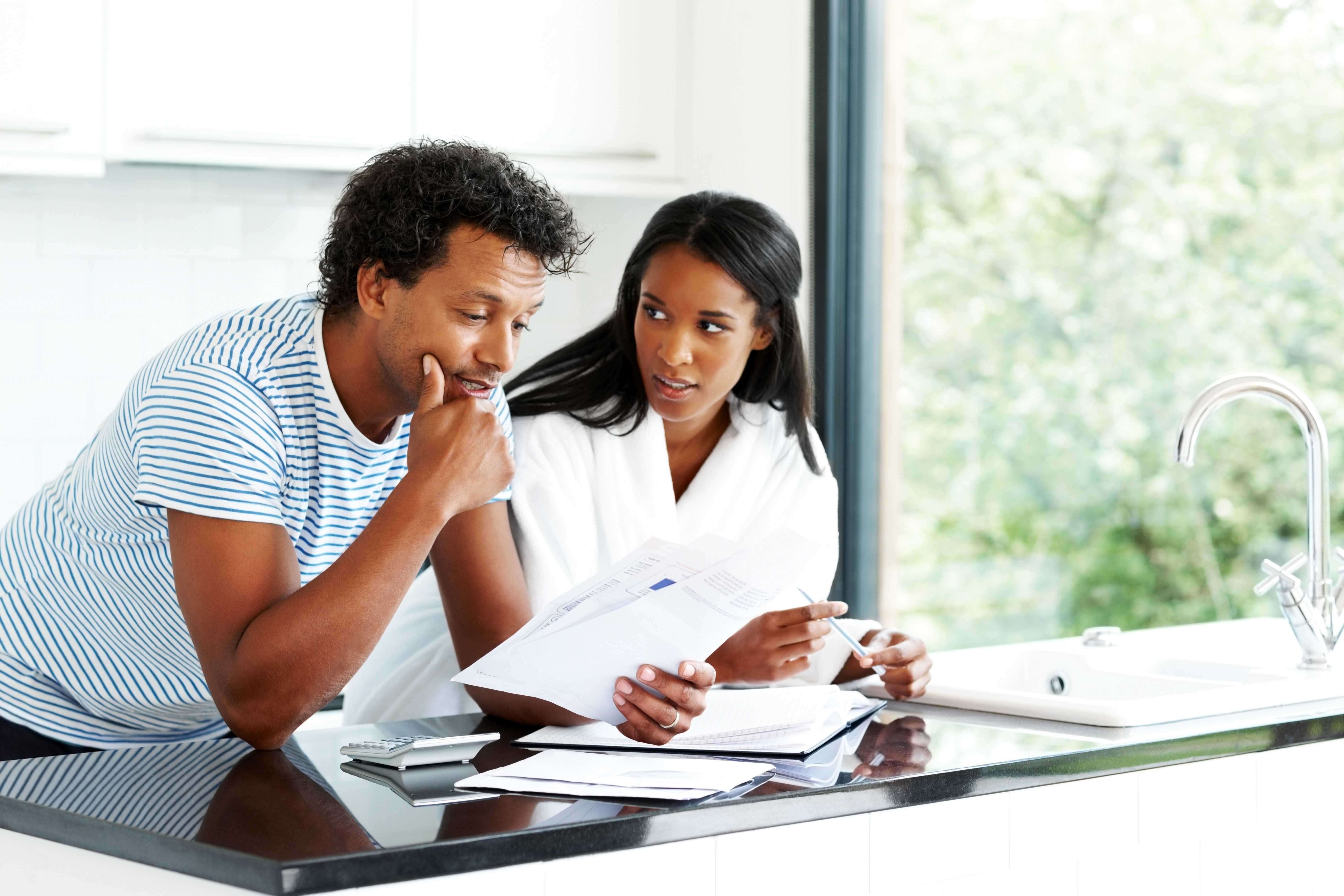 6 Tips For Managing Money In A Relationship