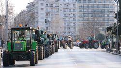 Με τα τρακτέρ τους οι αγρότες στο κέντρο της