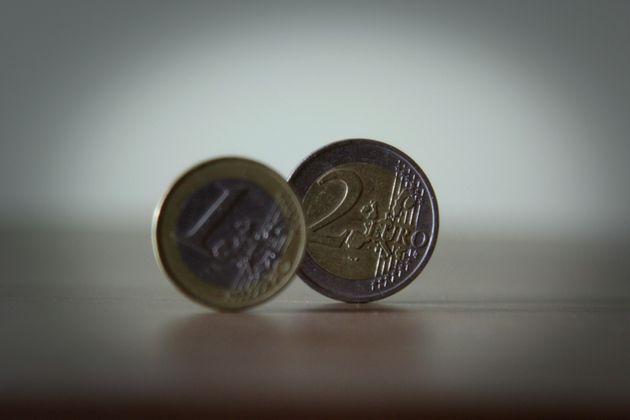Moody's: Πιστωτικά θετική η αύξηση των καταθέσεων στις ελληνικές
