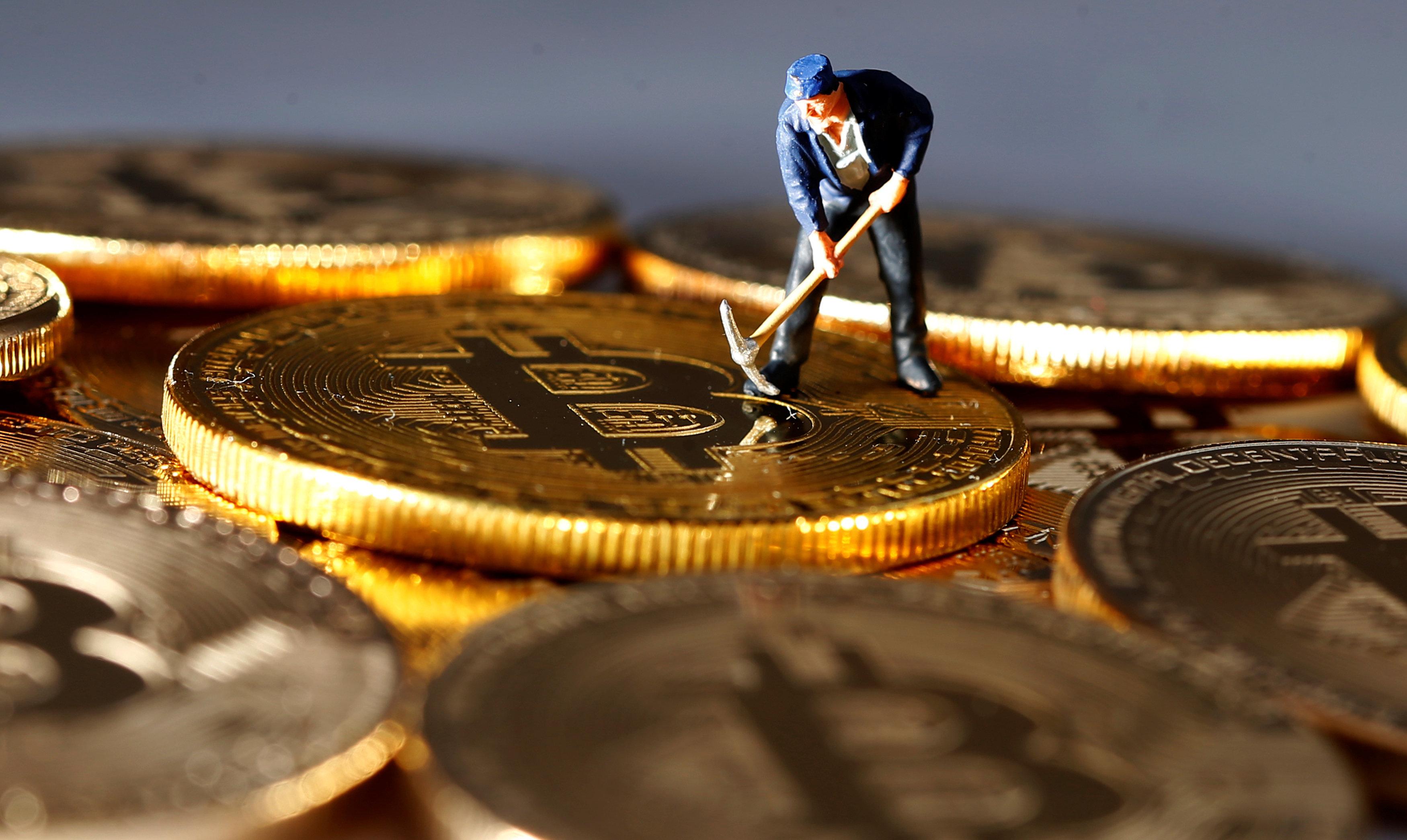 «Καταποντισμός» της αξίας του Bitcoin: Τι προκαλεί την πτώση της αξίας των κρυπτονομισμάτων