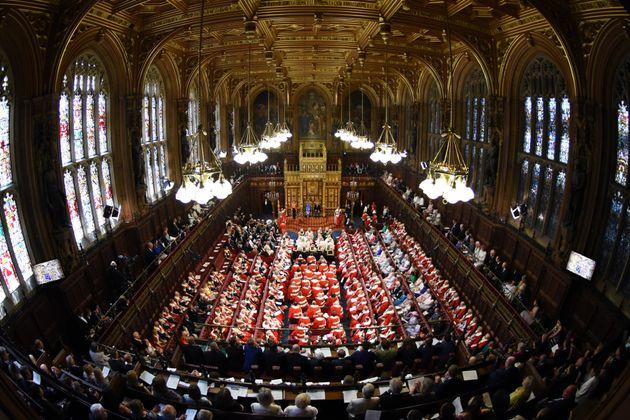 Βρετανός υφυπουργός παραιτήθηκε επειδή καθυστέρησε να πάει στη Βουλή των