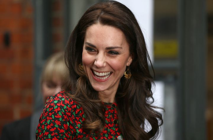 """Among products Kate's stylist turns to for her trademark locks&nbsp;are drugstore brands&nbsp;like&nbsp;<a href=""""https://www.amazon.com/LOr%C3%A9al-Paris-Elnett-Hairspray-Packaging/dp/B001DJ2USM?tag=thehuffingtop-20&amp;th=1"""" target=""""_blank"""">L&rsquo;Or&eacute;al&rsquo;s $11 extra strong hairspray</a>&nbsp;and&nbsp;<a href=""""https://www.sephora.com/product/creme-with-silk-groom-P422254"""" target=""""_blank"""">Kiehl&rsquo;s $16 Creme With Silk Groom</a>."""