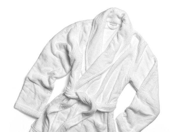"Get them at <a href=""https://www.parachutehome.com/products/classic-bathrobe?variant=30628549194"" target=""_blank"">Parachute</"